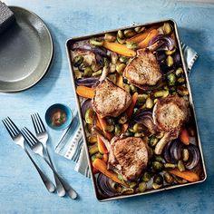 8 recettes à faire sur la plaque | coupdepouce.com Paella, Prepping, Frozen, Food And Drink, 20 Minutes, Plaque, Cooking, Parmesan, Ethnic Recipes