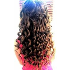 Simple curly Hairstyle