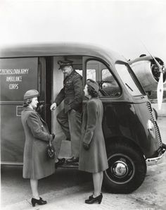 Lieutenant and Hostesses with Ambulance | Photograph | Wisconsin Historical Society