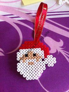Ideal for decorating the Christmas tree. Decoration handmade in Hama, perler beads. Hama Beads Design, Diy Perler Beads, Perler Bead Art, Melty Bead Patterns, Pearler Bead Patterns, Beading Patterns, Christmas Crafts For Kids, Xmas Crafts, Christmas Decorations