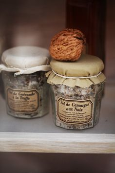 Sel de Camargue aux Noix (French salt from Carmargue, with walnut)