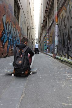 Shared by Dovile. Find images and videos about cute, boy and cool on We Heart It - the app to get lost in what you love. Skateboard Tumblr, Skateboard Design, Skater Kid, Aesthetic Backpack, Skate Style, Skate Surf, Punk, Vintage Grunge, Fun Shots
