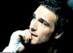Michael Vartan (especially from the movie, Never Been Kissed! Michael Vartan, Never Been Kissed, Man Photo, Gorgeous Men, Hot Guys, Eye Candy, Handsome, Hollywood, Portraits