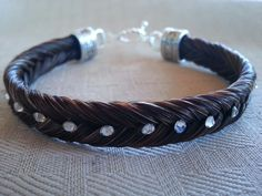Beautiful custom make jewelry at an affordable price!!! www.TCEMCustomDesigns.com Equestrian Jewelry, Western Jewelry, Equestrian Style, Horse Hair Bracelet, Horse Hair Jewelry, Hair Keepsake, Horse Braiding, Horse Crafts, Bracelet Patterns