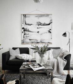 modèle de salon moderne aux murs blancs aménagé avec canapé d\'angle ...