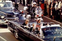 """Was wäre, wenn man die Kennedy-Ermordung verhindern könnte? In seinem neuen RomanverknüpftStephen King eine zarteRomanze mit einer politisch brisanten Zeitreise. """"Der Anschlag"""" ist das bislang ambitionierteste Werk des Horrorspezialisten."""