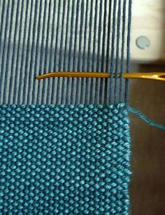 50 addictive weaving tutorials you& try this summer . 50 addictive weaving tutorials you can try this summer – 50 addictive weaving tutorials you can t Weaving Textiles, Weaving Art, Weaving Patterns, Loom Weaving, Tapestry Weaving, Stitch Patterns, Knitting Patterns, Inkle Loom, Crochet Patterns