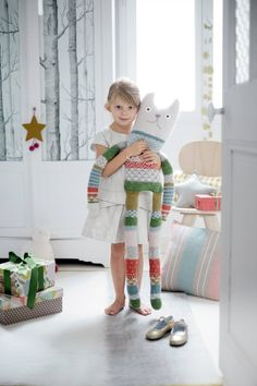 Want To Know More About Toys? Toys are beloved by children all over the world. Toys help to stimulate the imagination, encourage creativity, and allow children to understand more about Handmade Stuffed Animals, Diy Bebe, Fabric Animals, Fabric Toys, Cat Doll, Baby Pillows, Cute Toys, Baby Kind, Sewing Toys