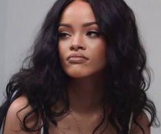 Rihanna uploaded by Ro Cabrera on We Heart It Rihanna Love, Rihanna Riri, Rihanna Style, Beyonce, Divas, Pretty People, Beautiful People, Rihanna Makeup, Bad Gal