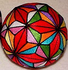 """Темари - японская национальная техника вышивания на шарах.  Темари переводится как  """"ручной мяч """"."""