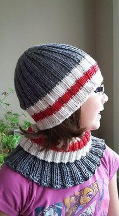 Ravelry: Ensemble Bas de laine (work socks) pattern by Tricot Nathy Loom Hats, Loom Knit Hat, Loom Knitting, Baby Knitting, Knitted Hats, Knit Crochet, Crochet Hats, Beginner Knitting, Loom Patterns