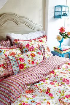 flowery bed linens ~ camp and cottage living