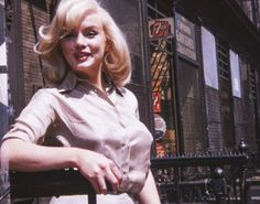 Newly released photos of Marilyn Monroe in 1960 © Tony Michaels.