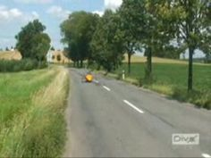 This is amphibian velomobile - a fully faired recumbent trike which you can use both on the road and in the water. It was built in Czech Republic by David. The video was edited by http://www.recumbent-gallery.eu   You can find more information about the project on www.esoteric-david.eu