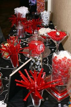 New Wedding Table Red Candy Buffet Ideas Red Candy Buffet, Candy Buffet Tables, Candy Table, Buffet Ideas, Quinceanera Decorations, Quinceanera Party, Red Party Decorations, Gold Candy, Candy Red