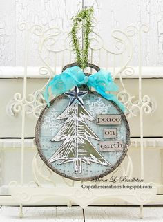 Such a Gorgeous creation by Mona for the Simon Says Stamp Monday challenge (Ornaments)