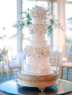 awesome Pièce montée 2017 - Idée de gâteau de mariage Glam - grand gâteau de mariage blanc avec cinq, fondant ... Check more at https://listspirit.com/piece-montee-2017-idee-de-gateau-de-mariage-glam-grand-gateau-de-mariage-blanc-avec-cinq-fondant/
