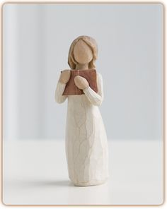 Willow Tree Love of Learning Girl Reading Figurine Susan Lordi 26165 Open Books Willow Tree Figures, Willow Tree Angels, Communion, Girl Reading, Open Book, Couple Gifts, Art Forms, Sculpture Art, Just In Case