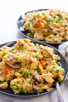 One pot fried rice in Instant Pot with brown rice and chicken for a healthy and easy dinner. One pot fried rice in Instant Pot with brown rice and chicken for a healthy and easy dinner. Super Healthy Recipes, Healthy Crockpot Recipes, Easy Chicken Recipes, Healthy Dinner Recipes, Healthy Chicken, Chicken Rice, Drink Recipes, Brown Rice Cooking, Brown Rice Recipes