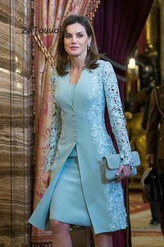 MADRID, SPAIN - APRIL Queen Letizia of Spain attends an official lunch for the 'Miguel de Cervantes Literature award at the Royal Palace on April 2018 in Madrid, Spain. (Photo by Pablo Cuadra/Getty Images) Mother Of The Bride Suits, Mother Of Bride Outfits, Mother Of Groom Dresses, Mothers Dresses, Bride Dresses, Mother Bride Dress, Short Mothers Dress, Mother Of The Bride Fashion, Elegant Wedding Dress