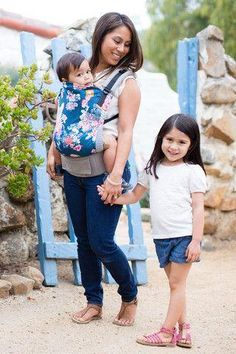 Tula Baby Carrier Flora Blue
