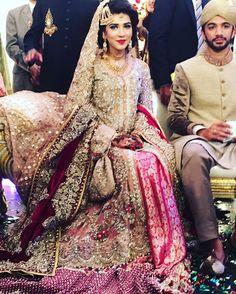 Hiba looks regal and majestic on her big day in a Saira*Shakira bridal. We wish the happy couple all the best! #sairashakira #majesticelegance #regal #velvet