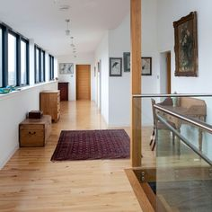 Spacious gallery landing