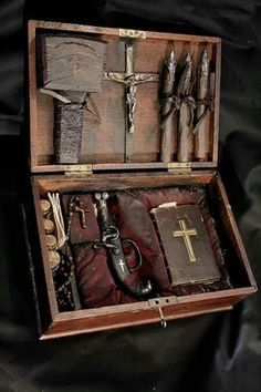 """The Seven Rules of Vampire Hunting.from a """"Real"""" Vampire Hunter Magic Box, Vampire Hunter, Le Far West, Interesting History, Objet D'art, Dracula, Old Photos, Just In Case, Magick"""