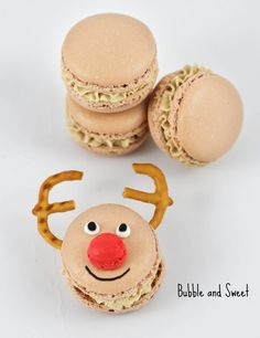 Bubble and Sweet: Rudolf Macarons Ginger spice latte macs for Christmas