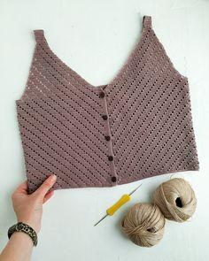 T-shirt Au Crochet, Boho Crochet, Crochet Bikini Top, Crochet Shirt, Crochet Fashion, Crochet Diagram, Crop Top Pattern, Crochet Purse Patterns, Bag Patterns