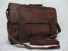 Vintage Style Handmade Leather Messsenger Bag door bestofart25