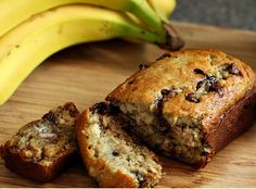 Low FODMAP Recipe and Gluten Free Recipe - Banana and chocolate chip loaf Gluten Free Cakes, Gluten Free Recipes, Baking Recipes, Diet Recipes, Yummy Recipes, Snack Recipes, Healthy Recipes, Sin Gluten, Food Map Diet
