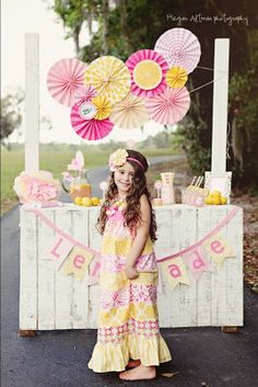 Daisy Pink Lemonade Cupcake Party