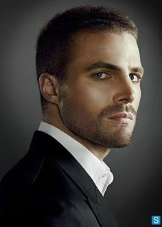 Arrow - Oliver Queen (Stephen Amell)