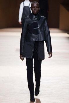 Hermès fall-winter 2015-2016 #PFW #fashionwomancom #fashion #moda #totalblack