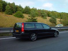 Volvo V70R Black