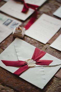 http://burnettsboards.com/2016/11/elegant-christmas-loft-wedding-inspiration/