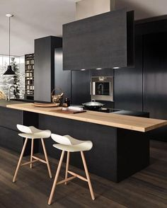 Black kitchen? Why not? Kitchen with black shades will give you calm peaceful feel. Avoid you from strees after full day of work. Also, black kitchen is not easely to look dirty. Here 11 example of beautiful black kitchen Related