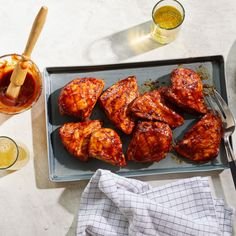 Enjoy a tasty and delicious meal with your loved ones. Learn how to make Perfectly barbecued chicken breasts & see the Smartpoints value of this great recipe. Skinny Recipes, Ww Recipes, Chicken Recipes, Healthy Recipes, Weight Watchers Chicken, Weight Watchers Meals, Healthy Cooking, Healthy Eating, Barbecued Chicken