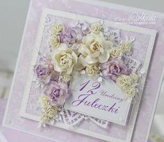 Witajcie. Dziś przychodzę z dwoma kartkami urodzinowymi pełnymi kwiatów z Wild Orchid Crafts. Pierwsza jest delikatna i puchata, ozdob...