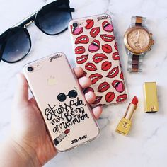 Preparativos para a #night de hoje! {cases: estressada e 'boca a boca'} [DISPONÍVEIS PARA IPHONES GALAXY E MOTO G] #gocasebr #instagood #iphonecase #phonecase #kisses #style #fashion #usogocase