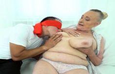 70 Jährige von jungem Kerl geil durchgefickt in diesem Porno