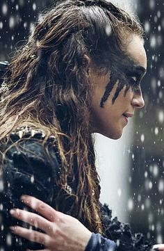 Aylee - Lexa. https://www.fanfiction.net/s/11898975/1/Begin-Again
