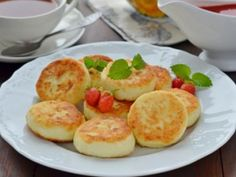 Ингредиенты Творог (желательно мелкозернистый)– 250 г Яйца – 1 шт<