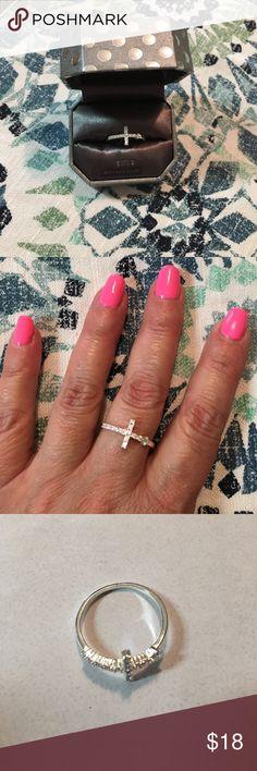 Cross ring, sterling silver, zirconia, size 9 new Cross ring, sterling silver, zirconia, new in box, size 9 Dillards Jewelry Rings