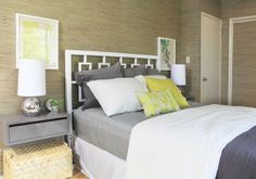 Wall-Mounted Nightstands http://www.apartmenttherapy.com/wallmounted-nightstands-round-141112