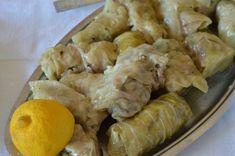 Λαχανοντολμάδες με αυγολέμονο Greek Recipes, Shrimp, Recipies, Cheese, Chicken, Meat, Food, Kitchens, Recipes