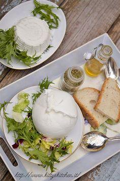 Italian Finger Food  Recipes...Cacio ricette: la mozzarella di bufala...nonpropriofingerfood!