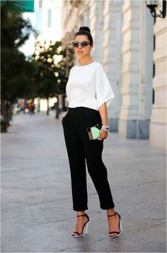 What Wear 14 + Foolproof + (und + bezahlbar!) + Interview + Outfit + Ideen + über + Who What Wear Fashion Mode, Office Fashion, Work Fashion, Womens Fashion, Monochrome Fashion, Fashion Fashion, Fashion Black, Fashion Ideas, Color Fashion
