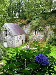 Notre Dame-de-la-Fosse, Bretagne,France